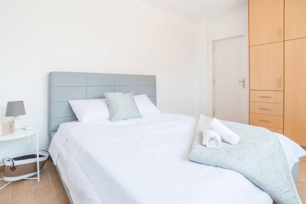Marousi elegant apartment B2-close to mall & metro (MAR235B2)