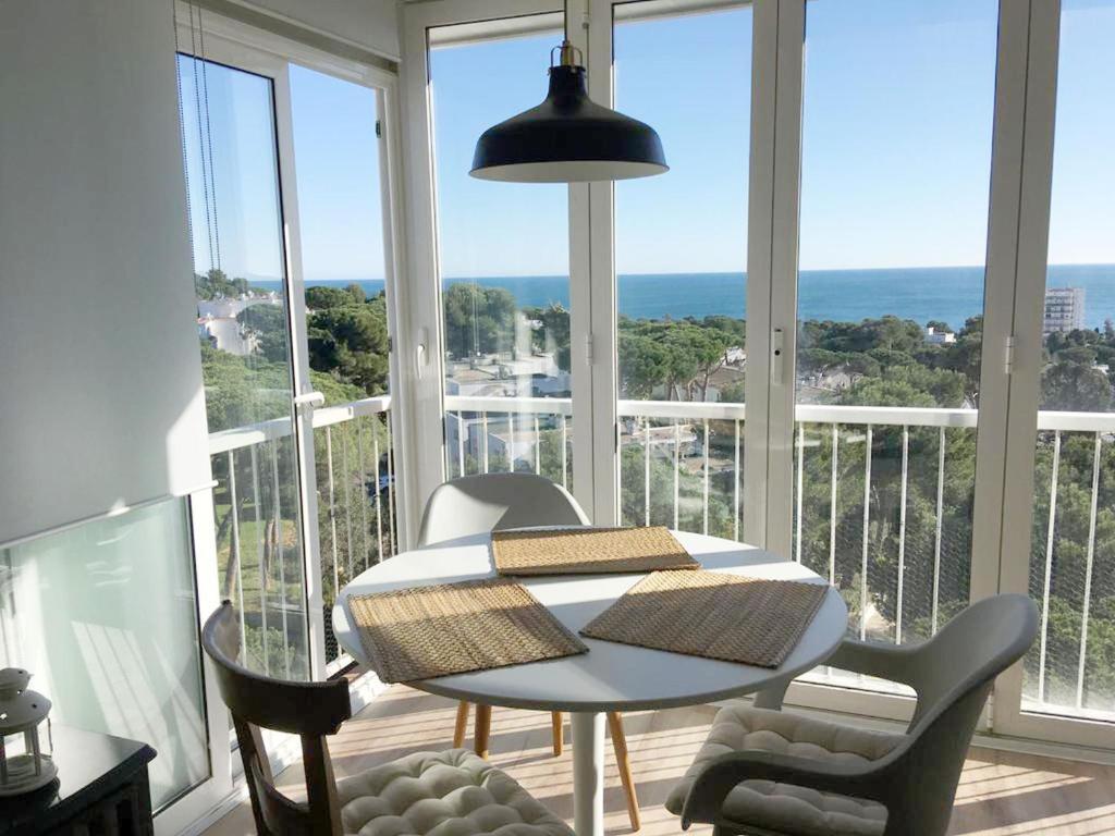 Apartament amb vistes al mar i piscina tramuntana