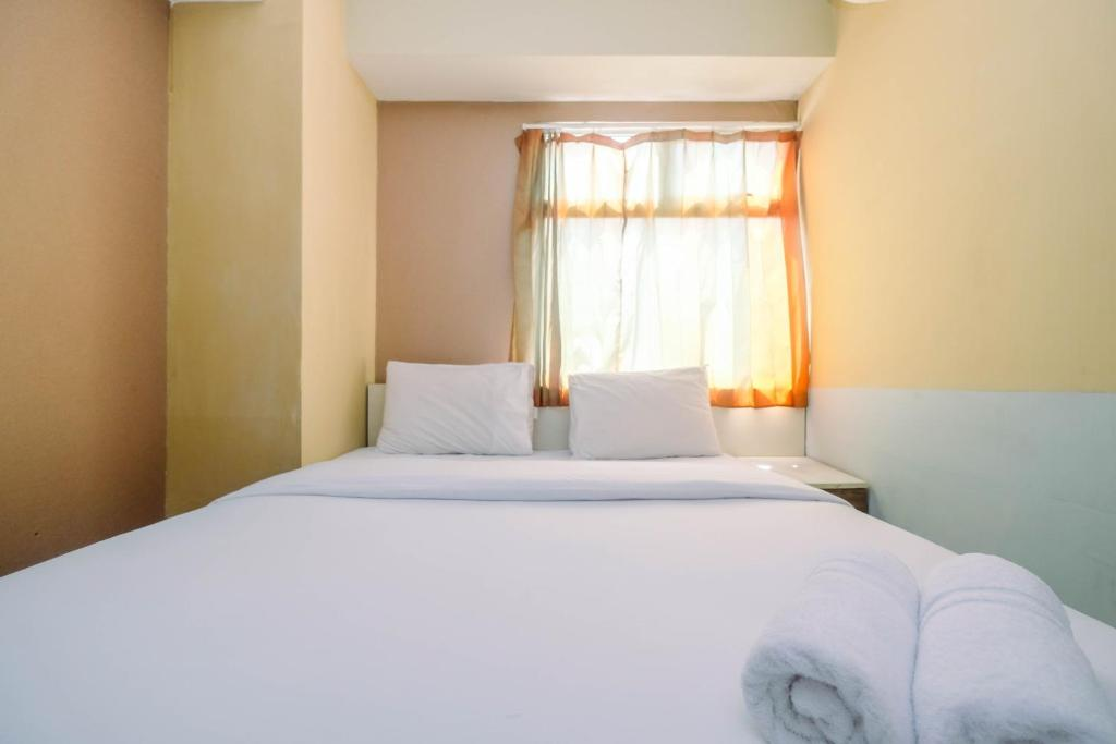 Well Appointed 2BR Apartment at Kalibata City Residence By Travelio