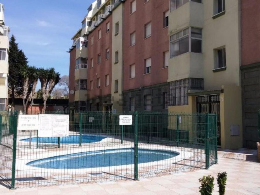 Apartamento cerca del mar Piscina Garaje A&C