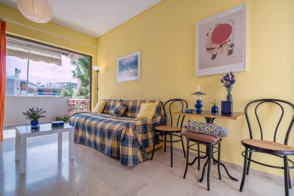 Cozy apartment in Varkiza next to the beach