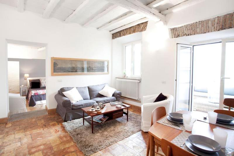 Trastevere Bright Apartment
