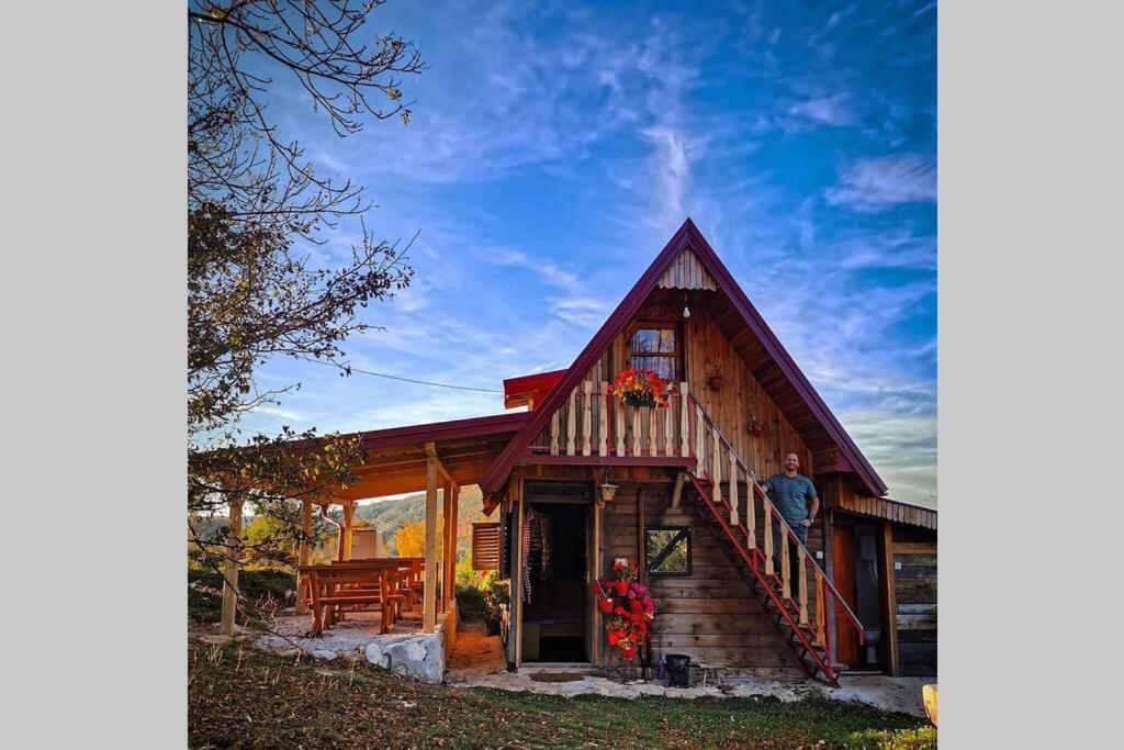 Log cabin Uvac (Vikendica Saponjic)