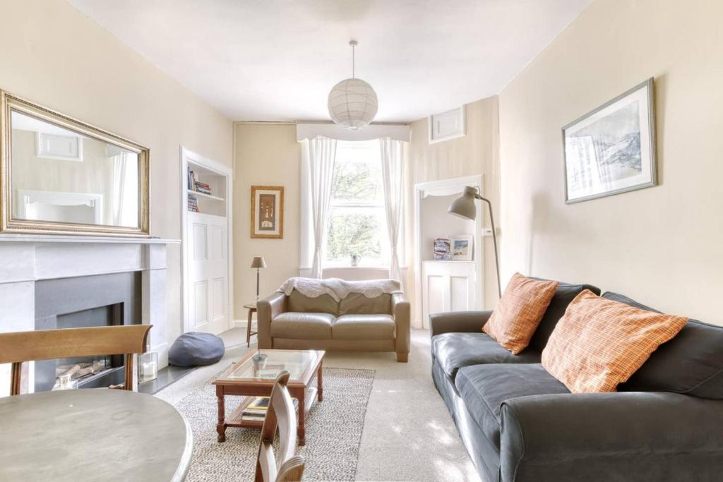 Delightful Apartment in Vibrant Stockbridge
