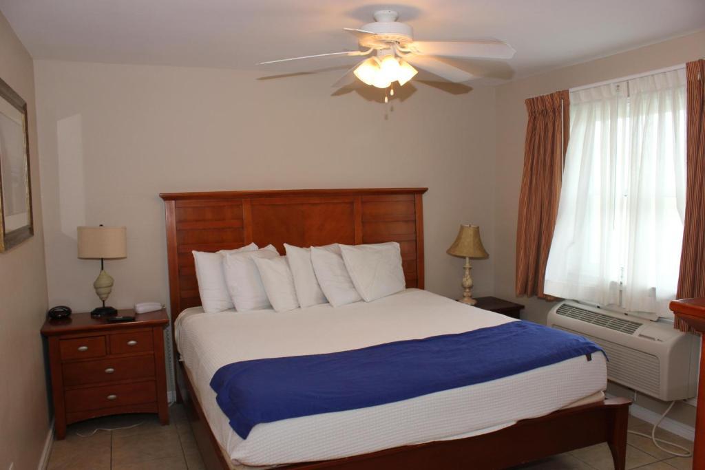 Beachgate Condo Suites and Hotel 516+517b