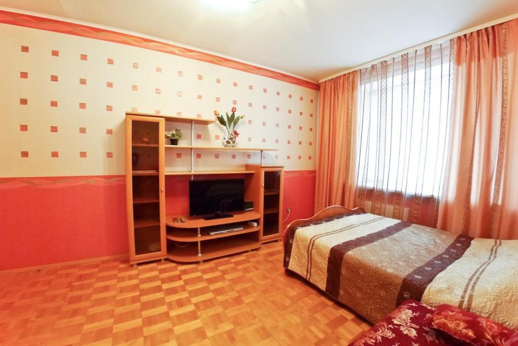 Однокомнатная квартира - Космонавтов, 62