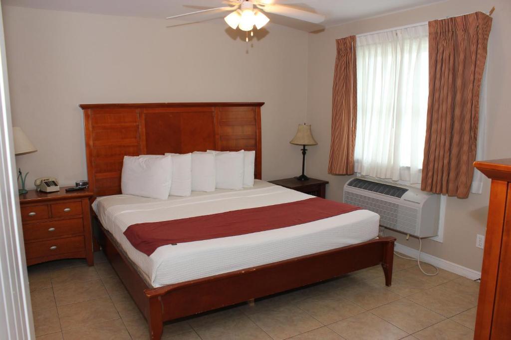 Beachgate Condo Suites and Hotel 521
