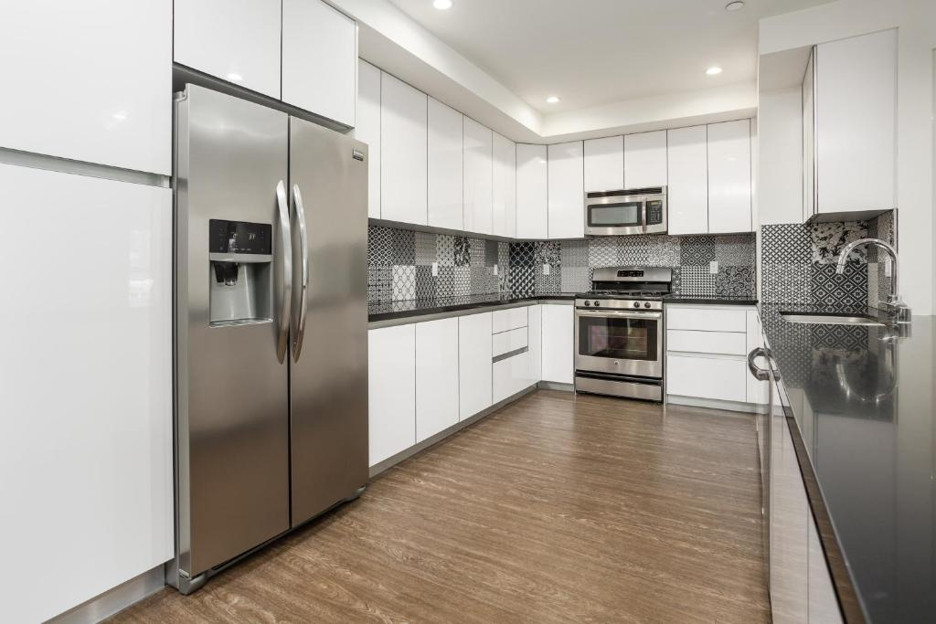 Kelton luxury Apartment