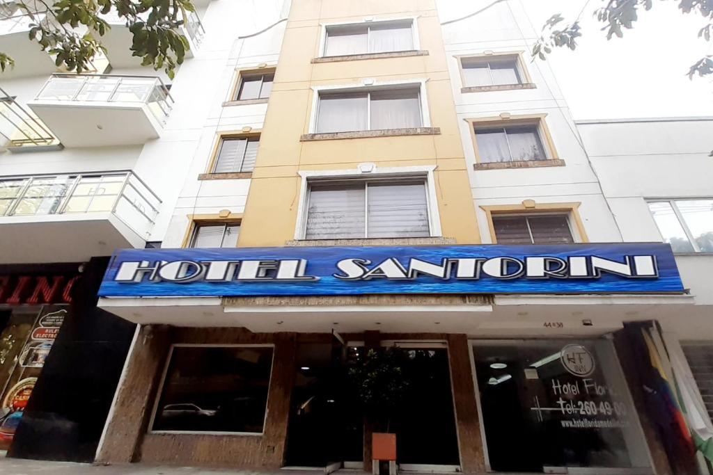 Santorini 70 Medellin