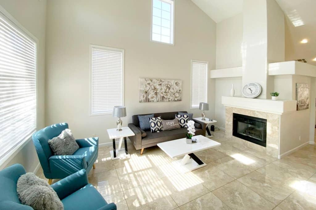 Elegant 5BD Home w Cozy Pool!