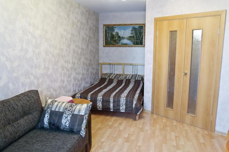 Однокомнатная квартира - Бакинских комиссаров, 109