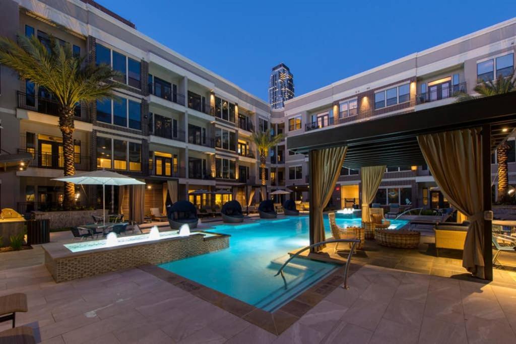 Luxury 1 Bedroom Galleria Apartment in Uptown Houston