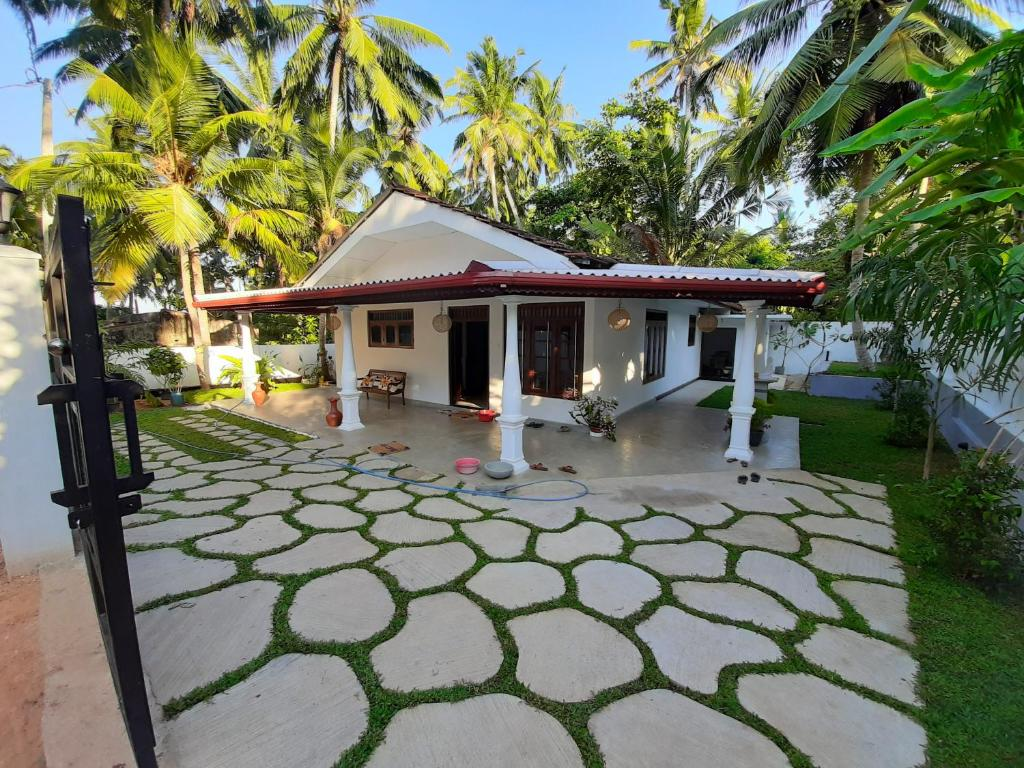 Villa Black Beach