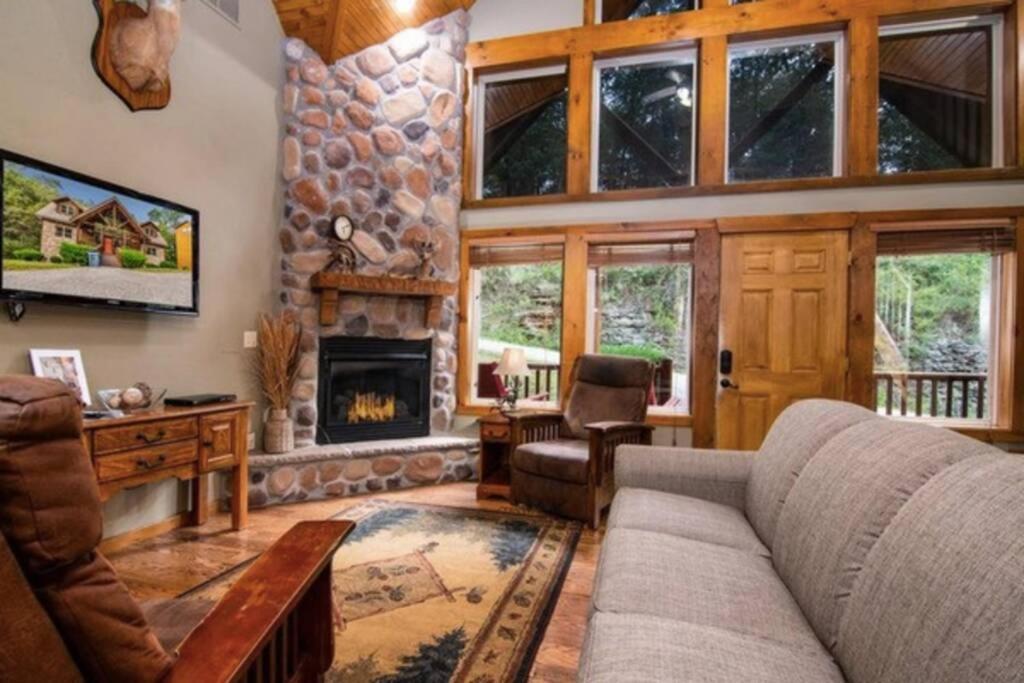 Deer Valley Lodge 2