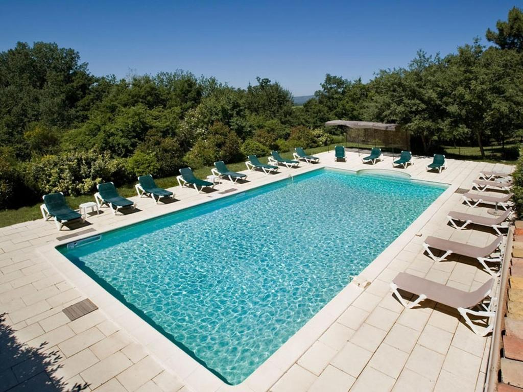 Sivergues Villa Sleeps 17 with Pool