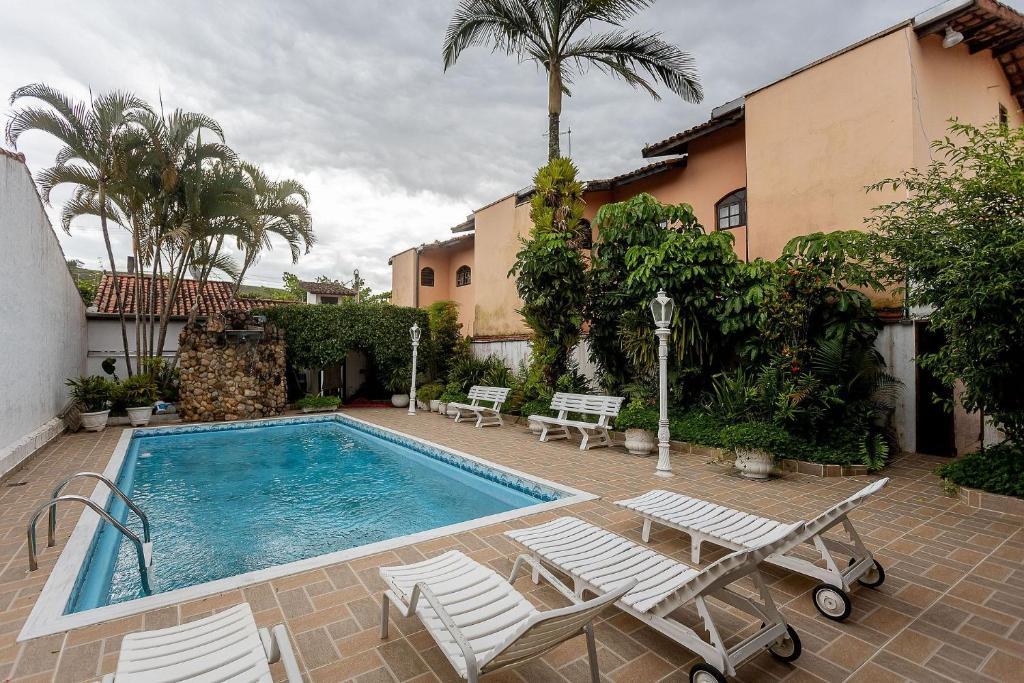 Casa com piscina em Caraguatatuba – Praia de Martim de Sá