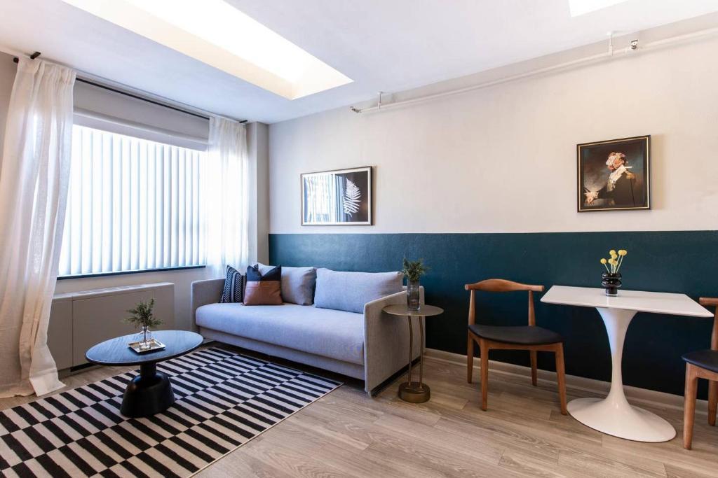 Abode Vue at 3rd 1-Bedroom Loft Style Suite