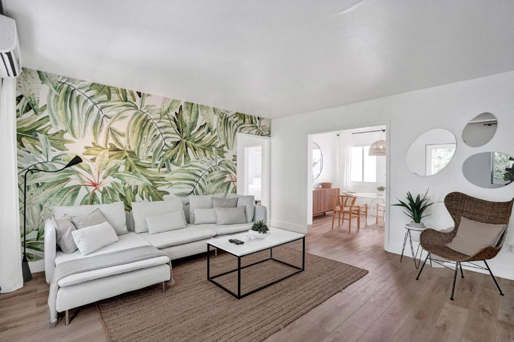 Lincoln Villa Suites