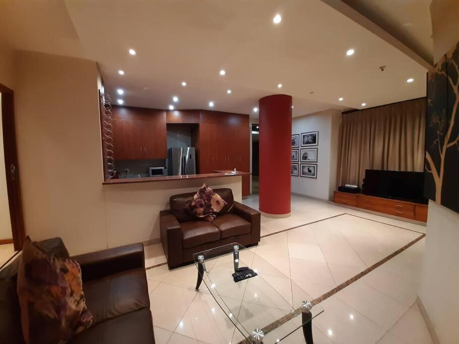 1001 2-Bed: The Franklin Luxury Suites