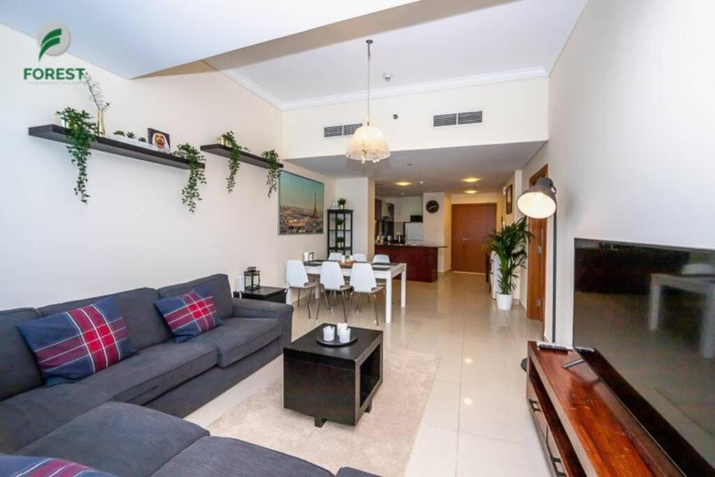 High floor! Sea View! Perfect for family stay!