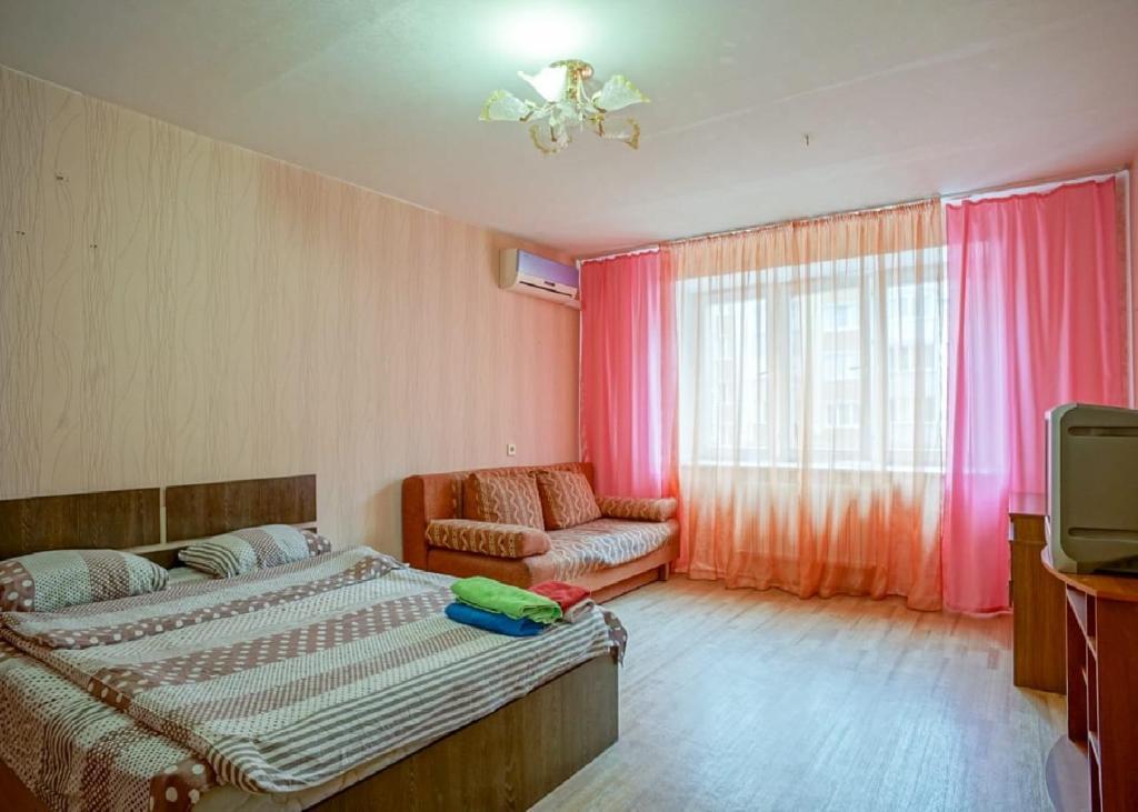 Апартаменты Столица в центре города на Строителей 5