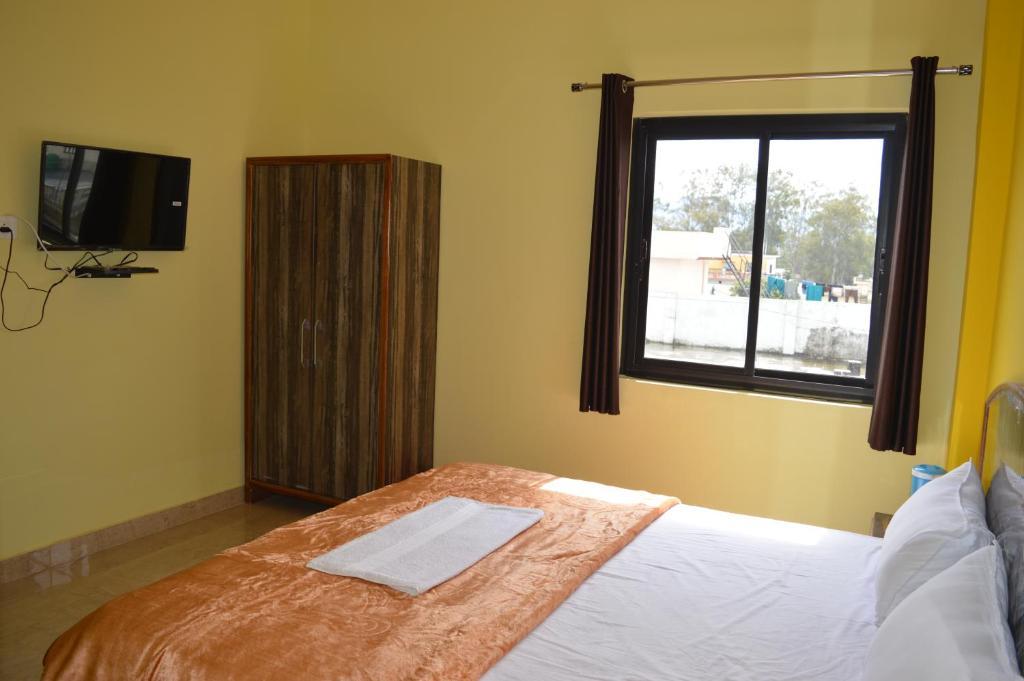 Hotel Yog Nagri
