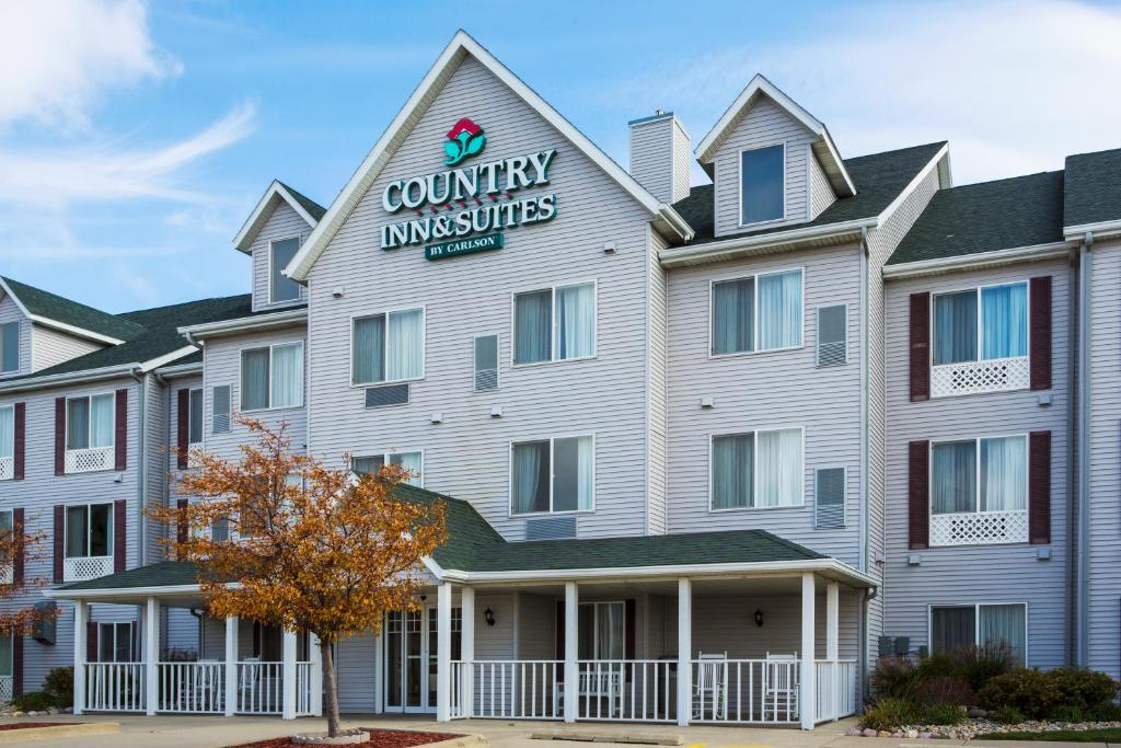 Country Inn Amp Suites By Radisson Bloomington Normal