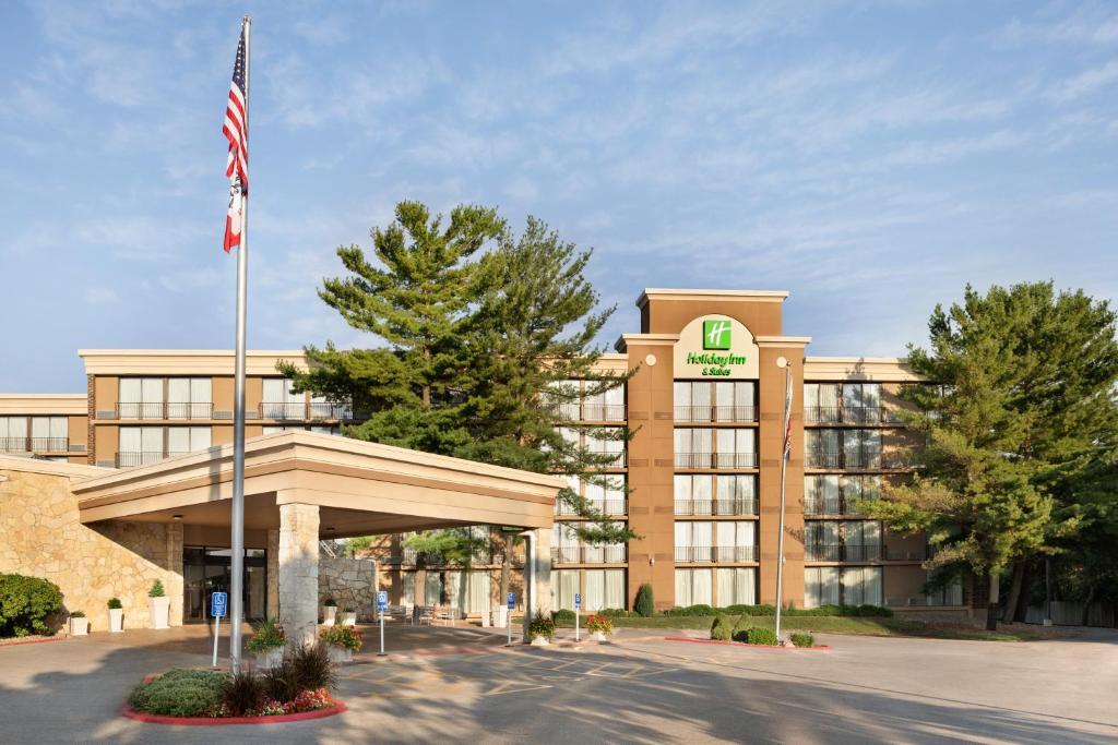 Holiday Inn Hotel & Suites Des Moines-Northwest, an IHG Hotel