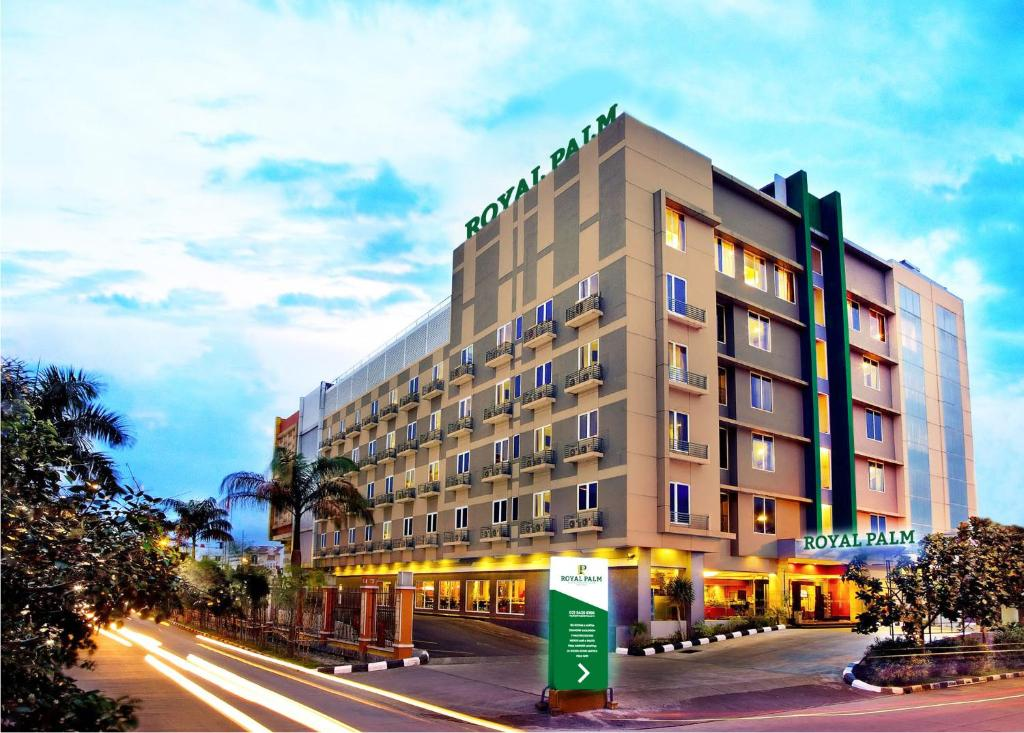 Royal Palm Hotel & Conference Center Cengkareng