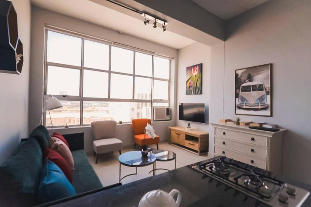401 Cape Town Apartment with breathtaking views of the city and Table Mountain