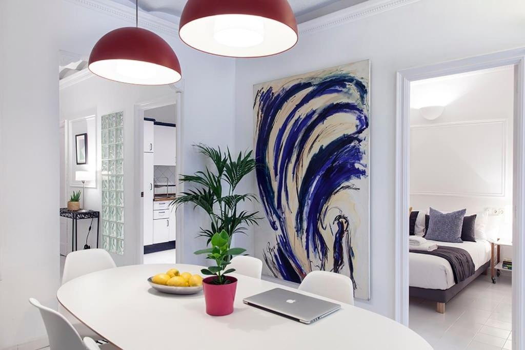 SAGRADA FAMILIA CENTRAL FULLY EQUIPPED MODERN ART APARTMENT Ref MRHAT