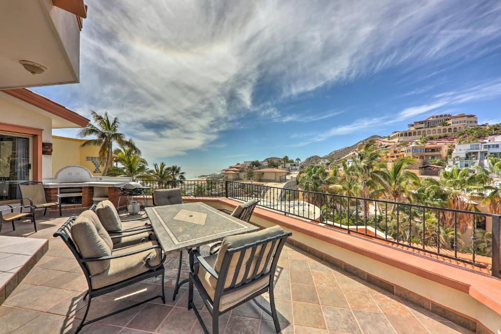 Luxurious Cabo Casa De Amor with Pool and Hot Tub!