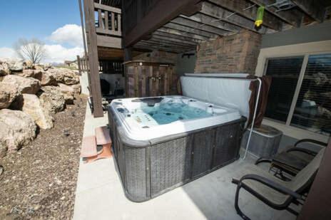 Spacious Ground Level 2 Bedroom Huntsville, Utah Vacation Rental 29B