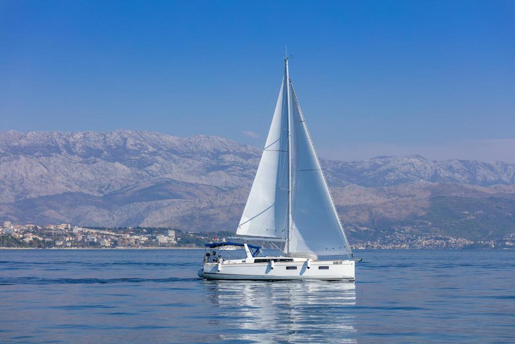 Beneteau Oceanis 38.1.- Anima Maris III Sailing Boat