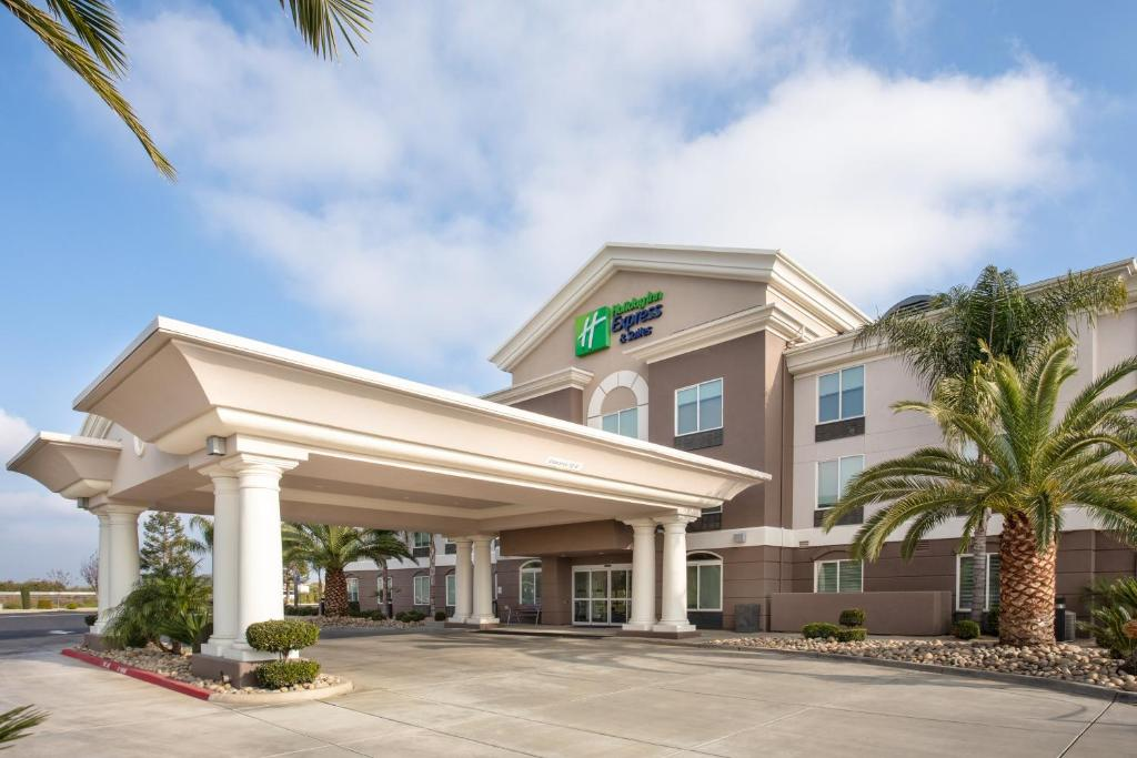 Holiday Inn Express & Suites Yosemite Park Area, an IHG Hotel