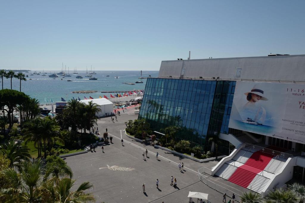 MyAgent vue mer face au palais-croisette congres-plages