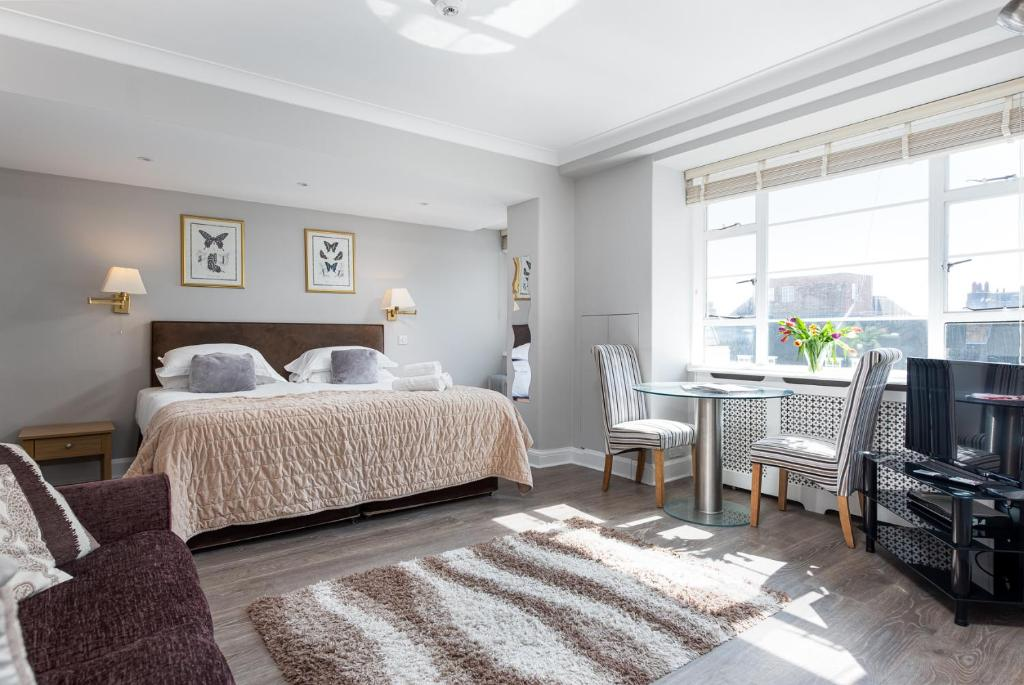 Apartment 822 - Nell Gwynn House, Chelsea