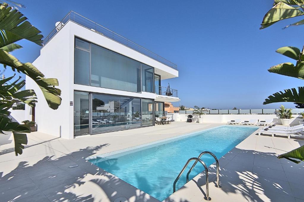 The Ultimate 5 Star Luxury Villa with Sea Views, Ibiza ...
