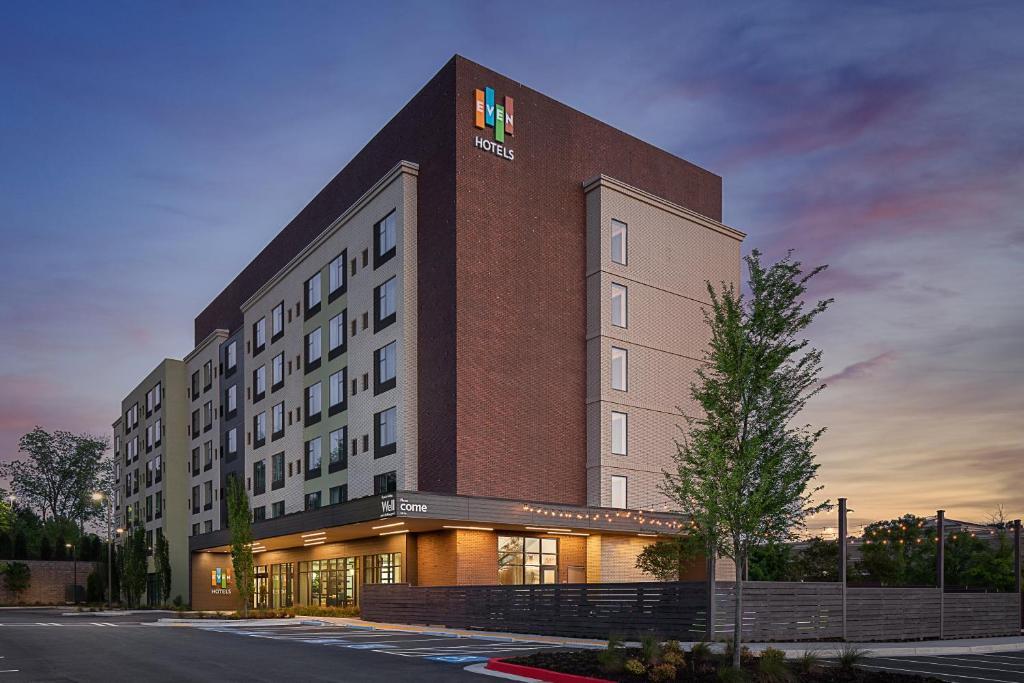 EVEN Hotel Alpharetta - Avalon Area, an IHG Hotel