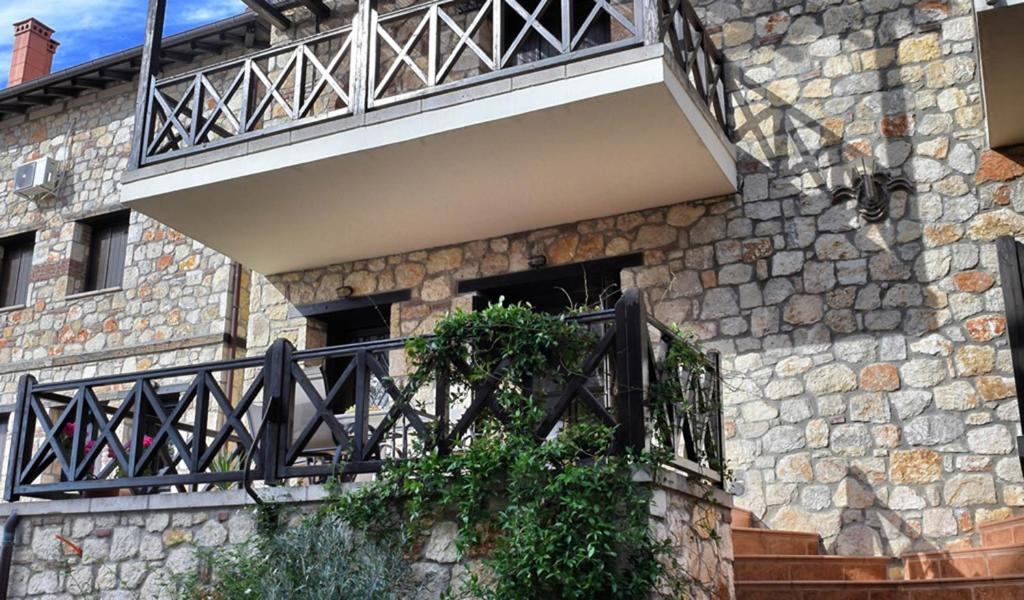 Have a fabulous vacation in Chalkidi with your family and stay here