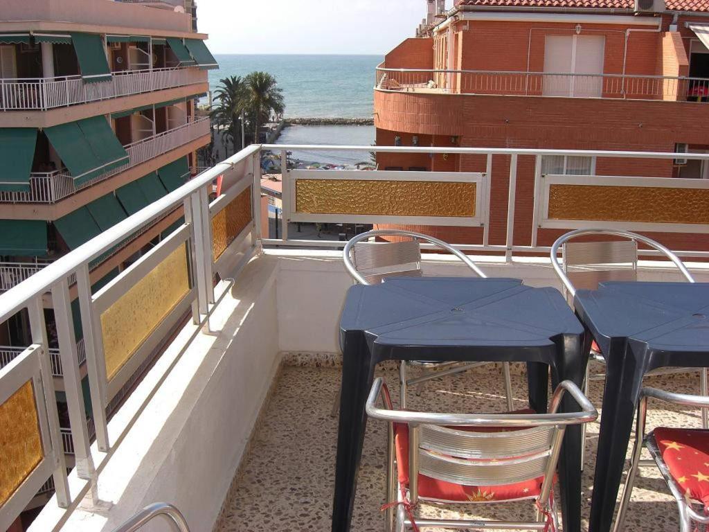 Tipical spanish appartment near the beach top floor