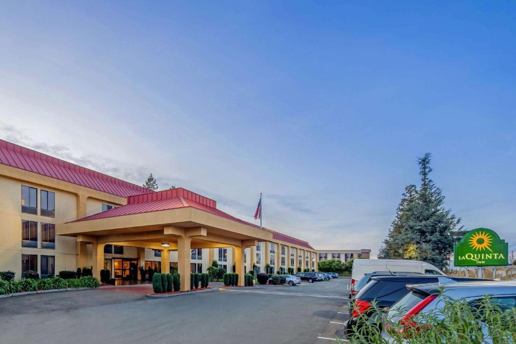 La Quinta by Wyndham Oakland Airport Coliseum