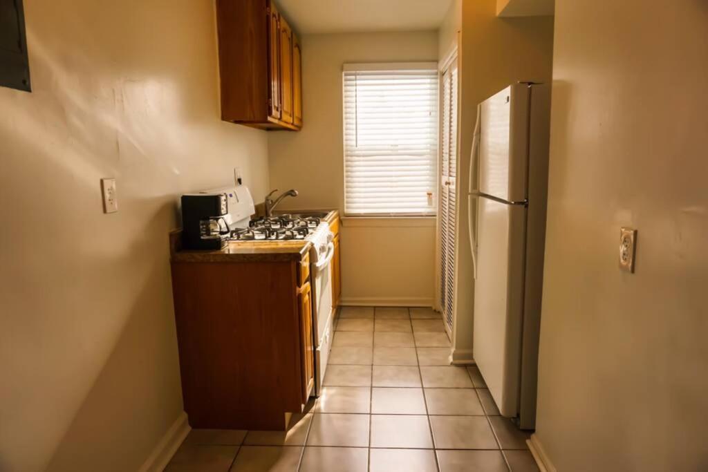 W.D.C. 47th 1BR Apartment