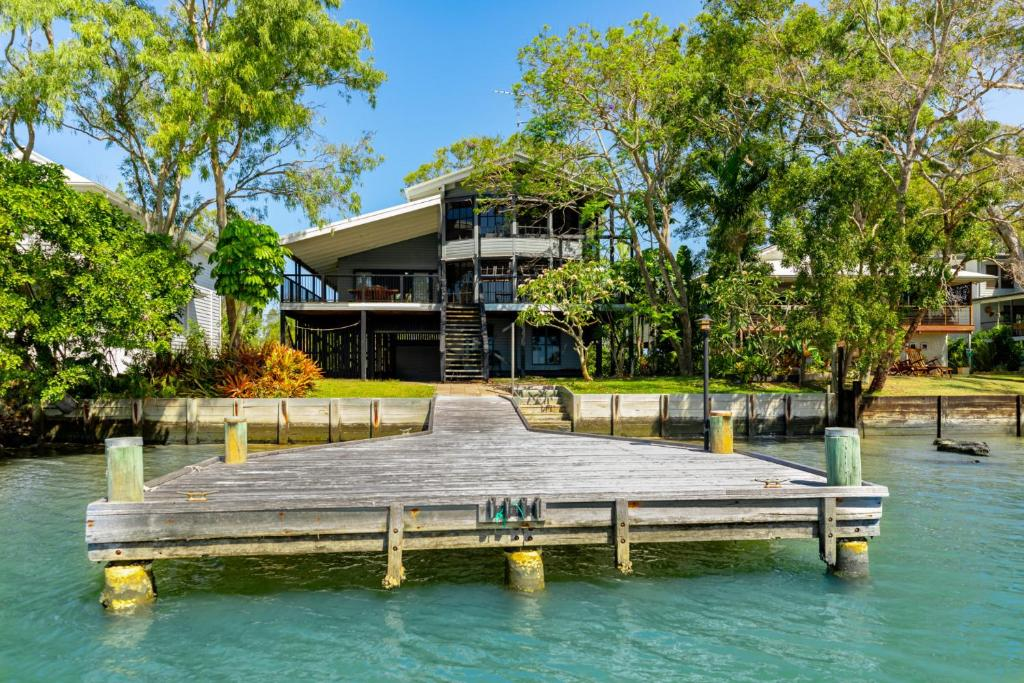 Absolute Riverfront - Noosa North Shore