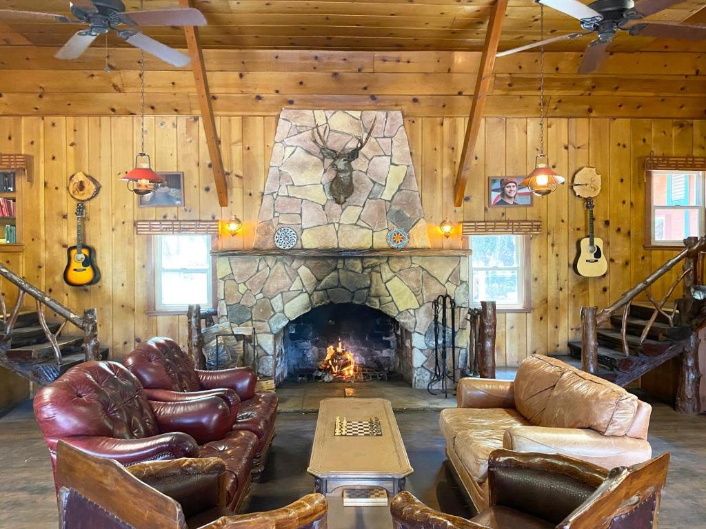 ITH Big Bear Lake Hostel & Retreat Center