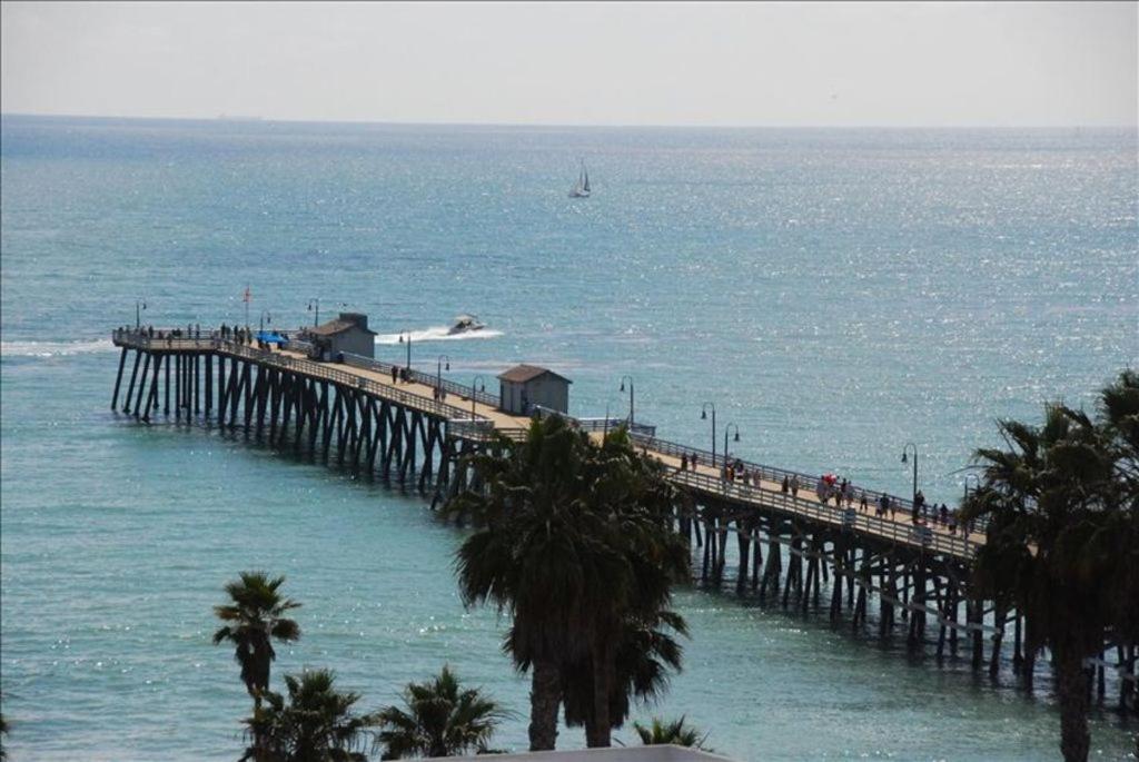 Gorgeous View, Steps to Beach - San Clemente Pier Penthouse