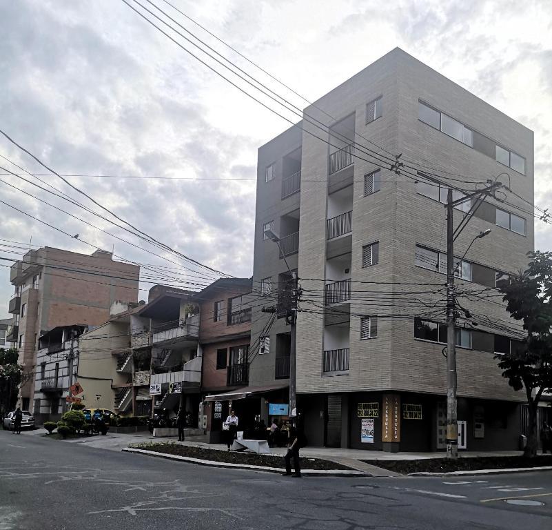2 Apartamento laureles medellín moderno y limpio