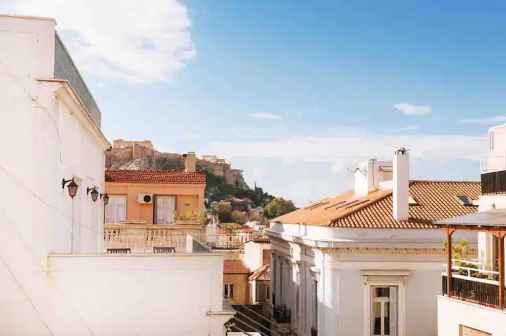 A Masterpiece in Plaka with Big Balcony and Acropolis View