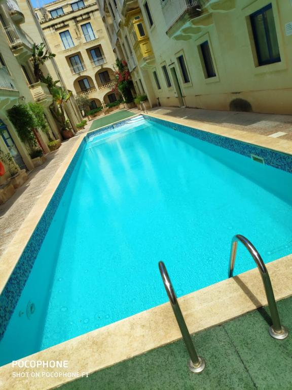 3 bedrooms maisonette with pool
