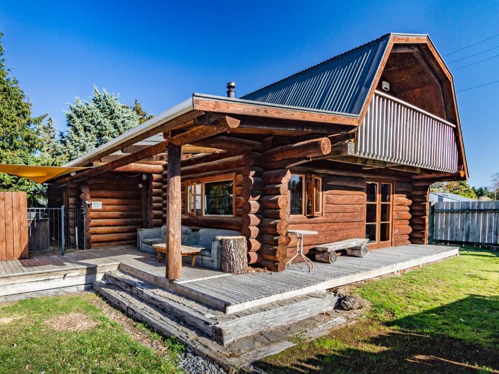 Cosy Warm Log Cabin - Ohakune Holiday Home